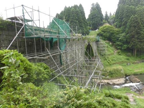通潤橋に設置した仮設足場