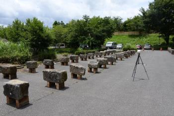 崩落石材の計測状況